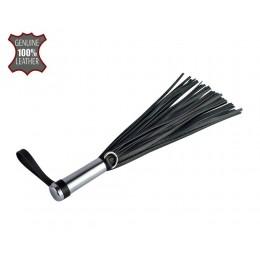 Черный кистевой флогер с серебристой ручкой - 23 см.