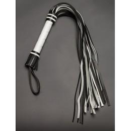 Чёрно-белая многохвостая плеть - 65 см.
